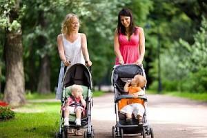 Pôžička pre ženy na materskej dovolenke. Prechádzka mamičiek.
